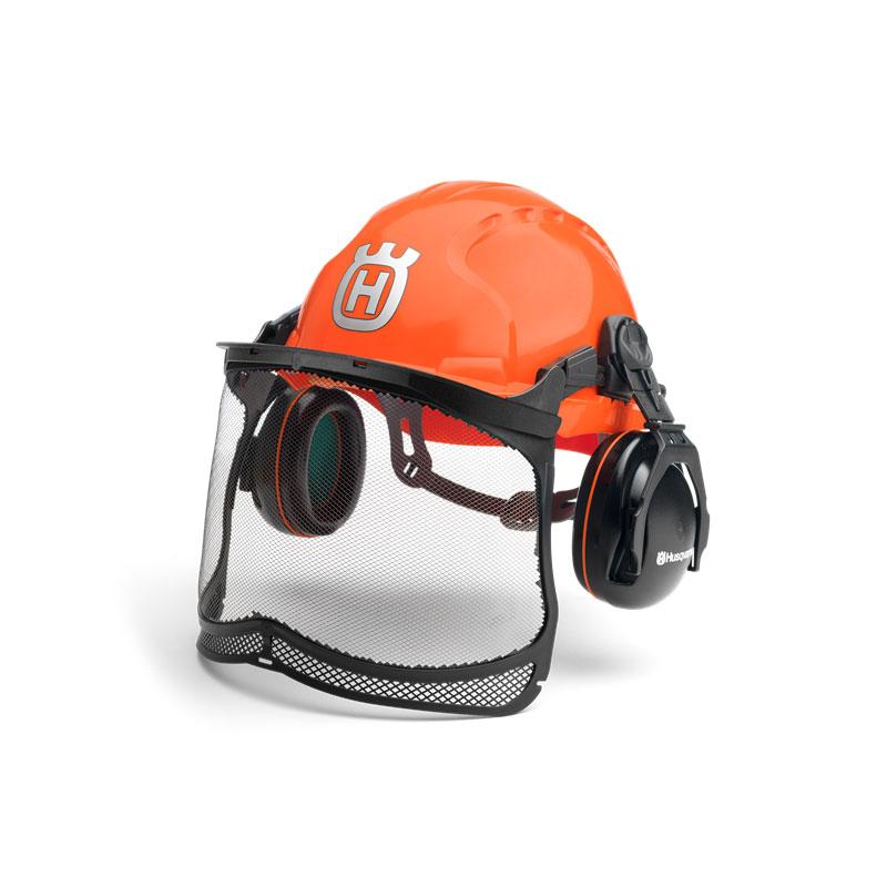 Popolnoma opremljena čelada za delu v gozdu ali navrtu.
